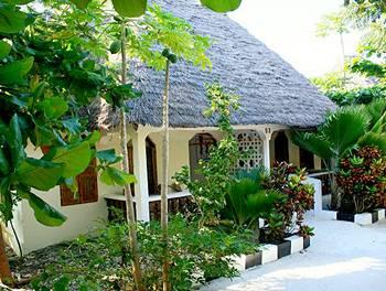 Mbuyuni Beach Village - Bungalows