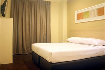 Hotel 81 Lucky