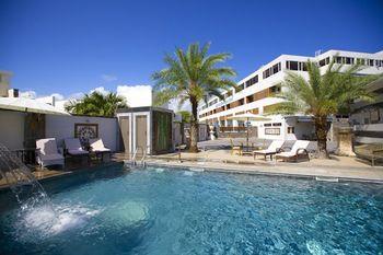 Bur Nas Beach & Apartments