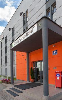 System Hotel Cracovia